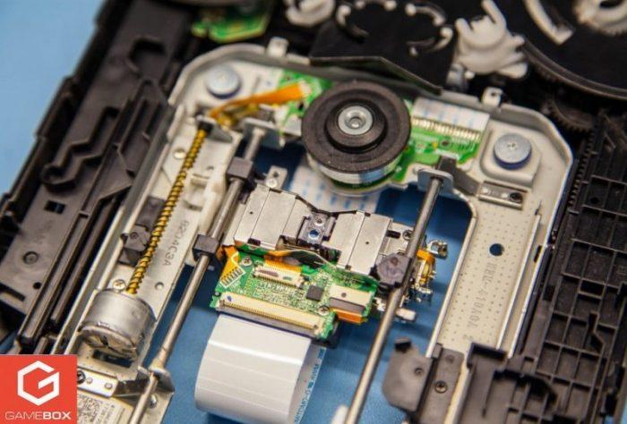 Wymiana uszkodzonego lasera w PS3 Fat