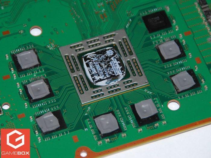 Stare pasty termoprzewodzące na układzie APU w PS4